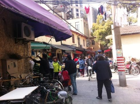 Jiashan Market, that same day